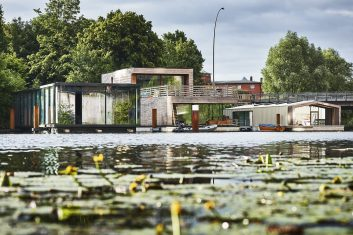 Viktoriakai-Ufer Hamburg, Liegefeld 4